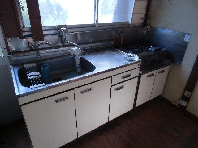 鈴木荘 1-1号室のキッチン