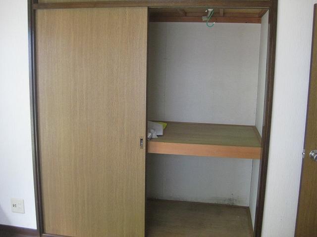 ザ・ホタル A号室の収納