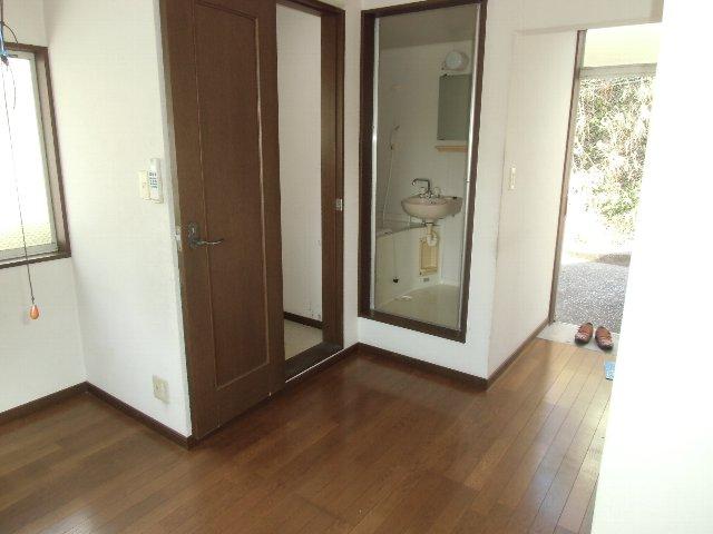 たかせハイツ 201号室の玄関