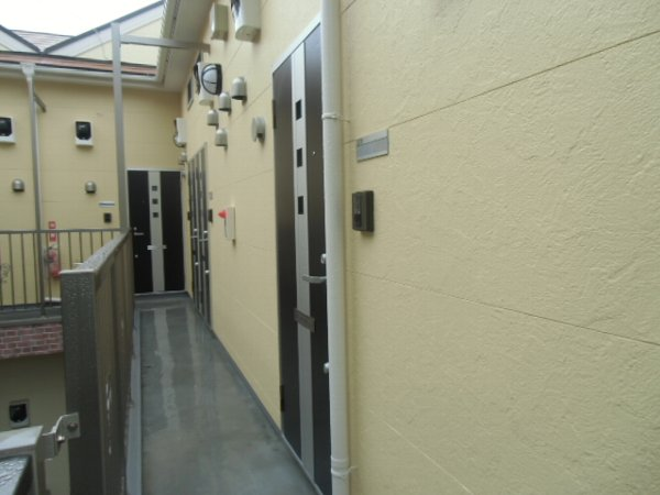 ユナイト衣笠ハロルド・クラーク 201号室の玄関