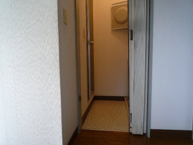 新美アパート 202号室の洗面所