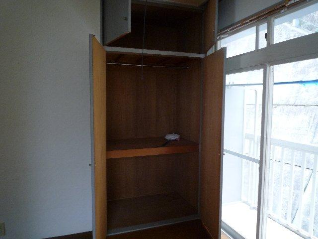 新美アパート 202号室の収納