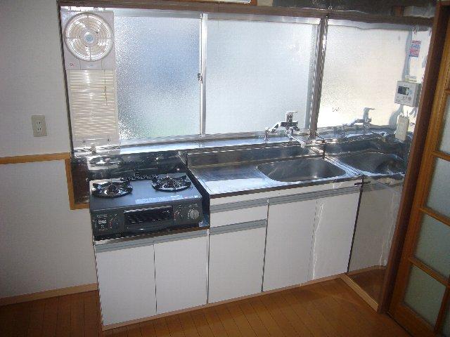 瀬戸アパート 2-2号室のキッチン