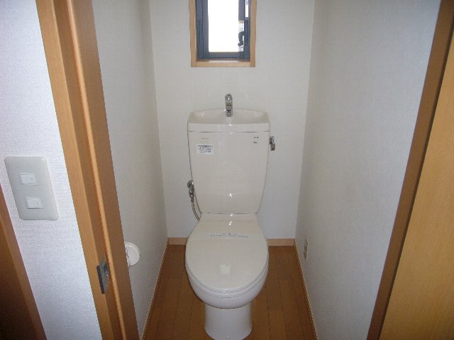 瀬戸アパート 2-2号室のトイレ