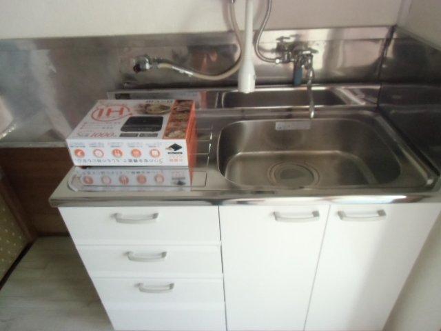 グレーシア横須賀中央 103号室のキッチン