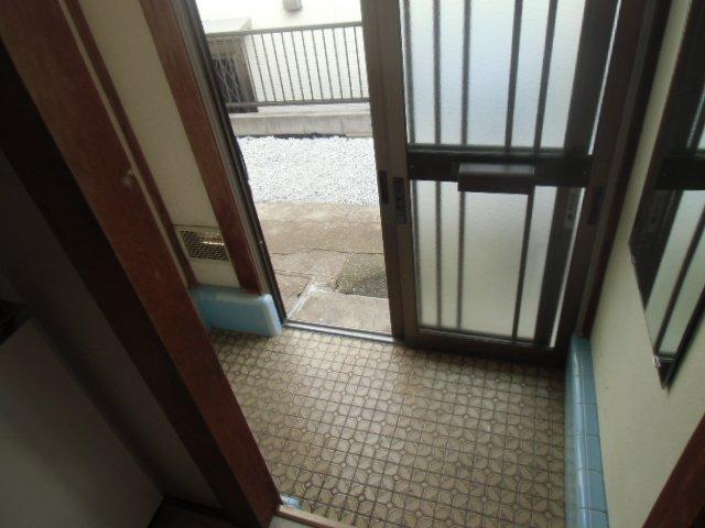 グレーシア横須賀中央 103号室の玄関