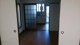 丸美荘 B-5号室の玄関