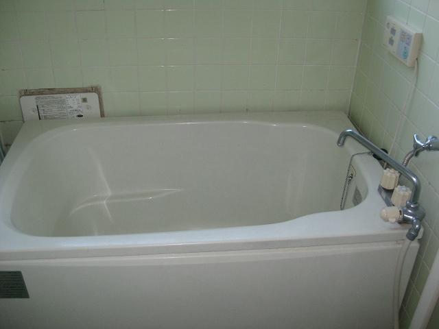 ガーベラマンション汐入 405号室の風呂