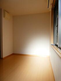 ビラ・リバーサイド多摩川 203号室のベッドルーム