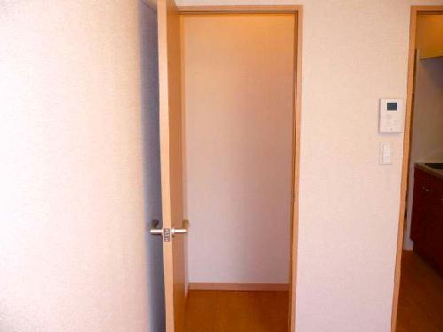 レオパレスアビタンティ 104号室の収納