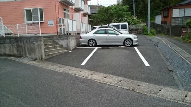 アーククロス 01030号室の駐車場