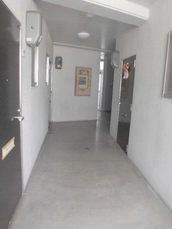 神元ビル 4-B号室のエントランス