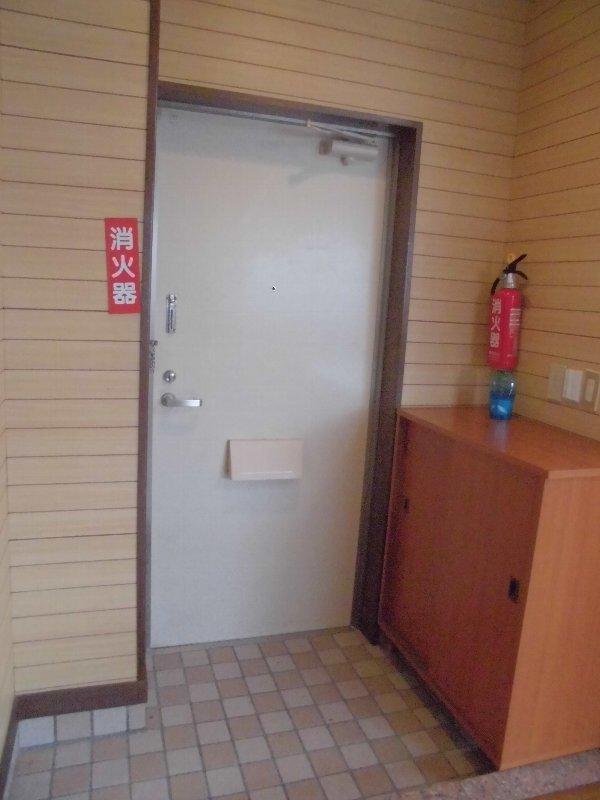 神元ビル 4-B号室の玄関
