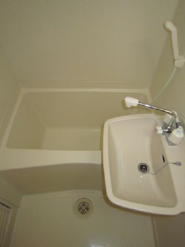 レオパレスグリュ 204号室の風呂