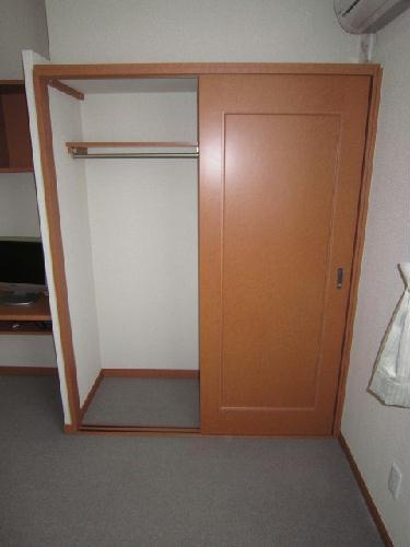 レオパレスグリュ 204号室の収納