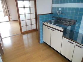 アーバン香椎A 103号室のキッチン