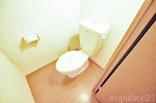 レオパレスKY 205号室のトイレ