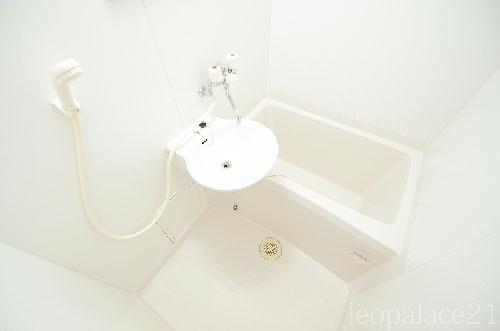 レオパレスKY 205号室の風呂