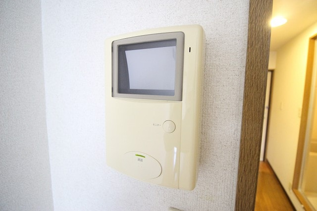 レスポアール城南 01020号室の玄関