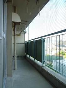 山文ビル 302号室のバルコニー