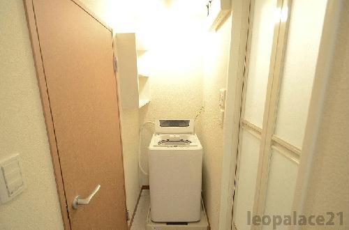 レオパレス田村 108号室の洗面所