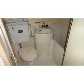 TOハイツI 201号室のトイレ