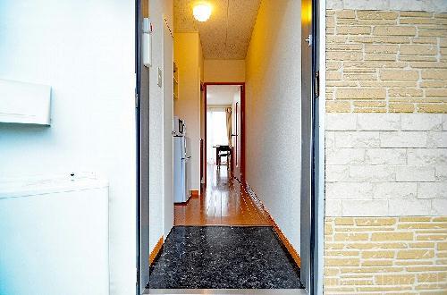 レオパレスFukufuku 103号室の玄関