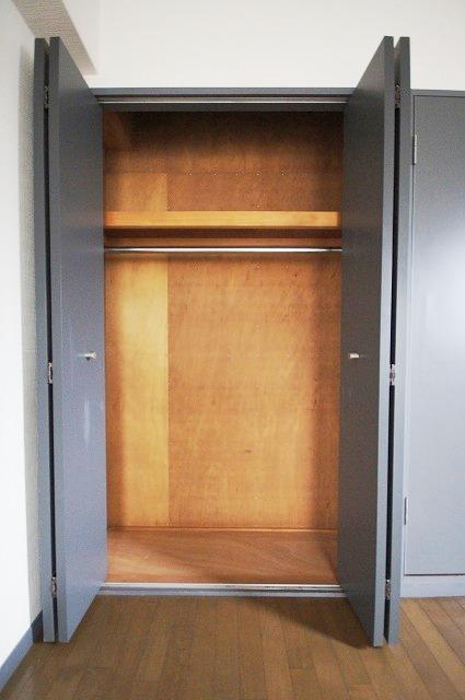 ステイタスマンション平和 205号室の収納