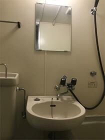 リバーサイド・プリンセス唐原 201号室の洗面所