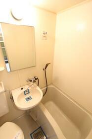 メゾン・ド・クレマン 0107号室の風呂