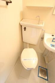 メゾン・ド・クレマン 0107号室のトイレ