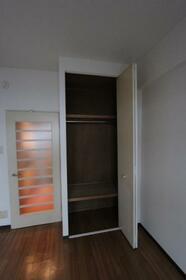 メゾン・ド・クレマン 0107号室の収納