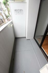 メゾン・ド・クレマン 0107号室のバルコニー