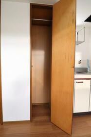 ニューホワイト干隈 202号室の収納