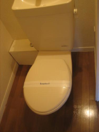 レオパレスエストーディオ 201号室のトイレ