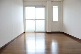 PLEAST田島Ⅱ 302号室のベッドルーム