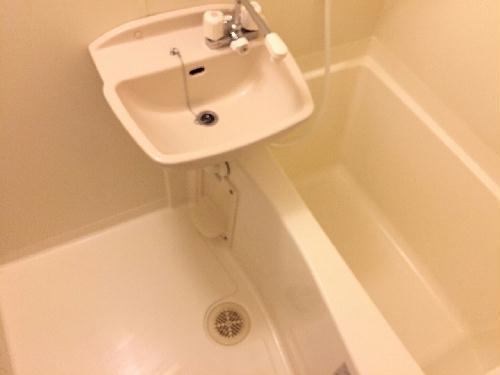 レオパレスプロスパ 203号室の風呂