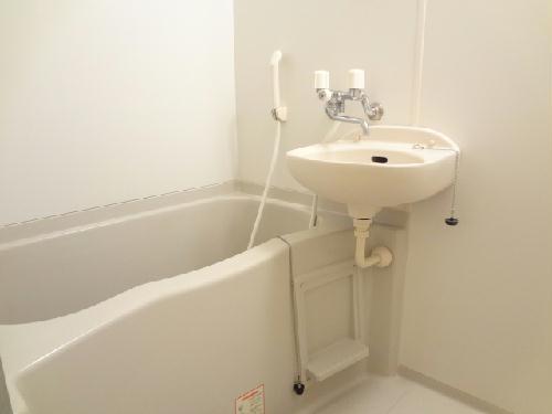 レオパレスウィスタリア壱番館 101号室の風呂
