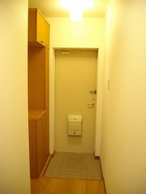 ヴィラ清水Ⅱ番館 01010号室の玄関