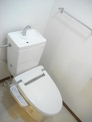 ヴィラ清水Ⅱ番館 01010号室のトイレ