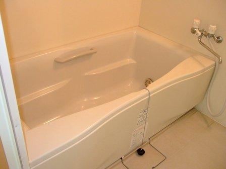 アリスト・ヴィラK A棟 202号室の風呂