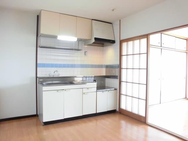 ニューマリッチ石川壱号館 02050号室のキッチン