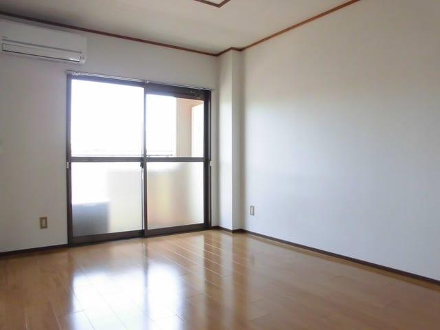 ニューマリッチ石川壱号館 02050号室の玄関
