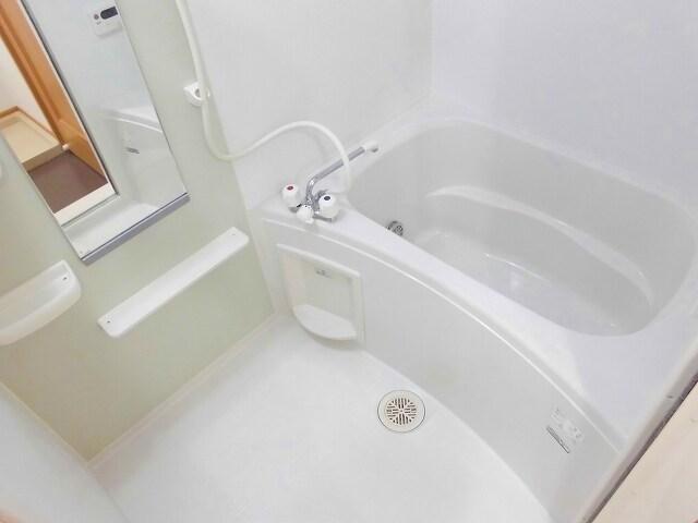 ヴィラ アンベル 02020号室の風呂