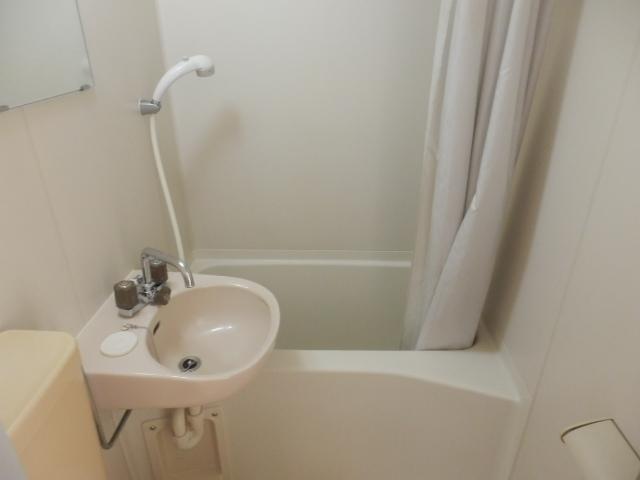 メゾン・ド・KS 105号室の風呂