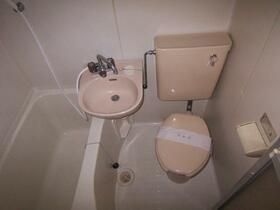 スカイメゾン新松戸 203号室のトイレ