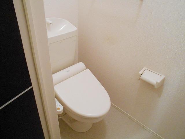 ネオアルテール 105号室のトイレ