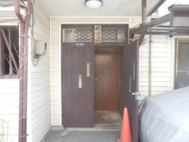 酢田荘 3号室のエントランス