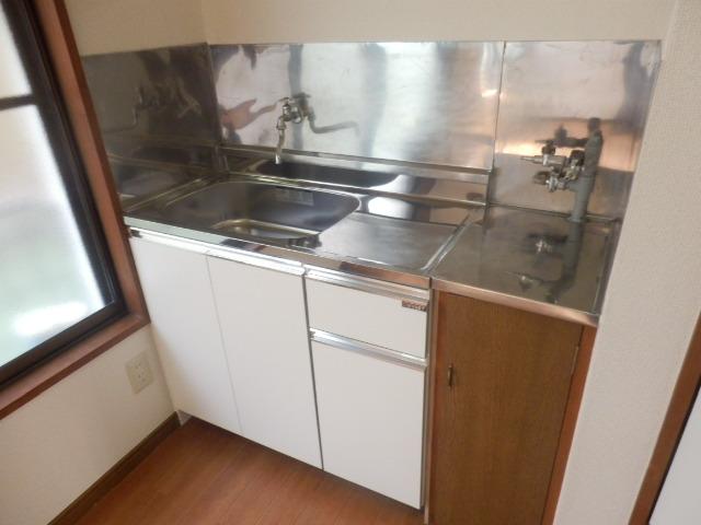 酢田荘 3号室のキッチン