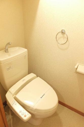 レオパレス新里 212号室のトイレ